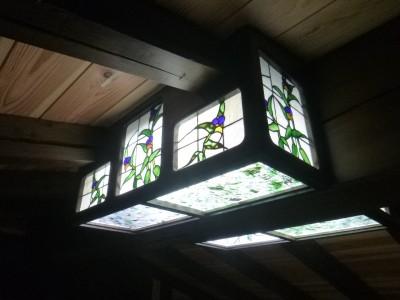 つゆくさ,ステンドグラス,ライト